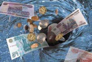 На чиновников, силовиков и скупку валюты правительство потратило более половины бюджета