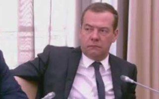 """Медведев приравнял стоимость """"Боярышника"""" к водке"""