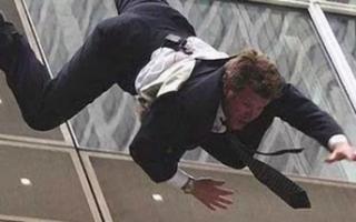 В Пугачеве мужчина выпал с балкона 4 этажа