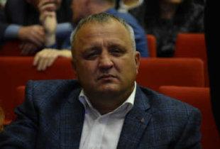 """Депутат Артемов """"вышел в люди"""" и даже задал вопрос"""