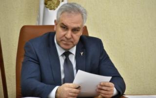 """Ответ областного депутата об инфекционной больнице: """"Не ваше дело, когда ее достроят!"""""""