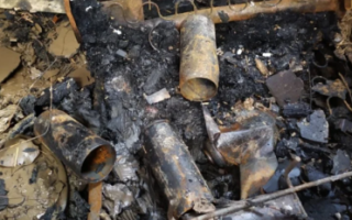 В Пугачеве пожар уничтожил летнюю кухню