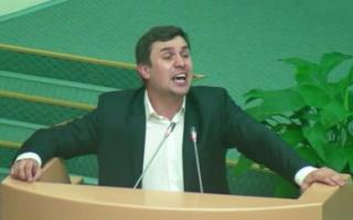 Бондаренко предложил отправить правительство области в отставку