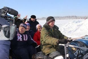 Валерий Радаев познакомил главу Саратова с конем