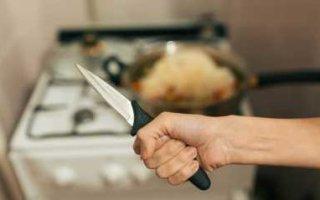 Жительница Пугачева пырнула ножом сожителя