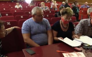 Жители Пугачева обращаются за помощью к депутатам от КПРФ (видео)