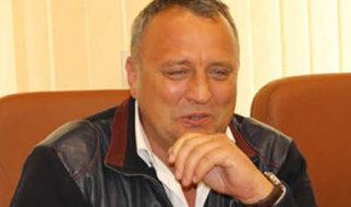 Депутат Артемов в облдуме появляется редко