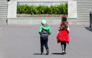 Почти четверть детей в России живет за чертой бедности