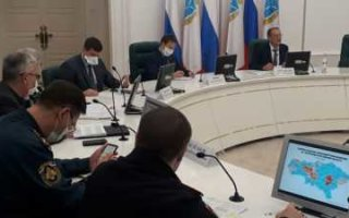 Стрелюхин пригрозил с понедельника ввести в области пропускной режим