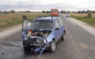 В ДТП под Пугачевом пострадали водитель и пассажир