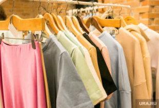 К лету резко вырастут цены на одежду и обувь