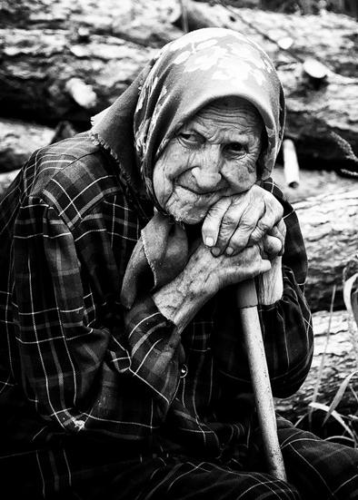 У старости глаза печали