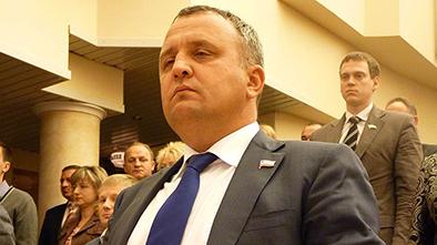 Депутат Артемов